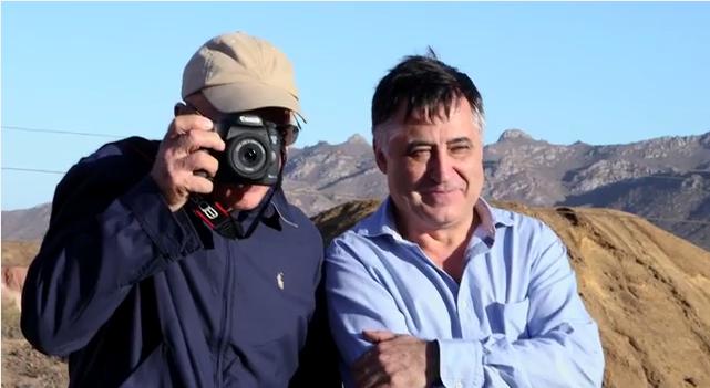 Sebastiao Salgado junto a Gervasio Sánchez, visitando las minas abandonadas de Mazarrón, el pasado fin de  semana durante Fotogenio.